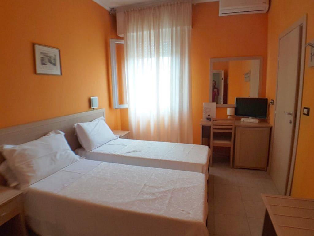Camera - Hotel trasimeno - Castiglione del Lago